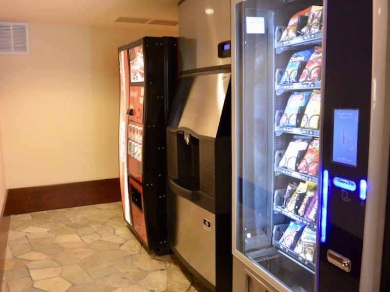 Moorea 2nd floor ice and vending machines