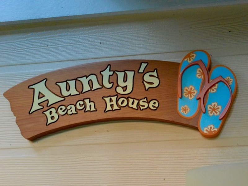 Aunty's Beach House sign