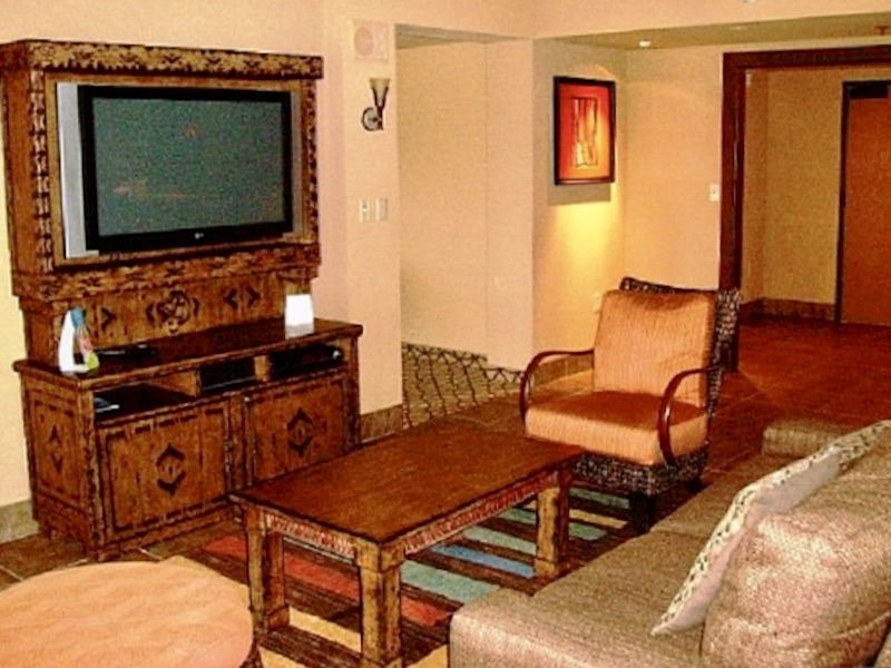 Jambo House Grand Villa living room with sofa bed