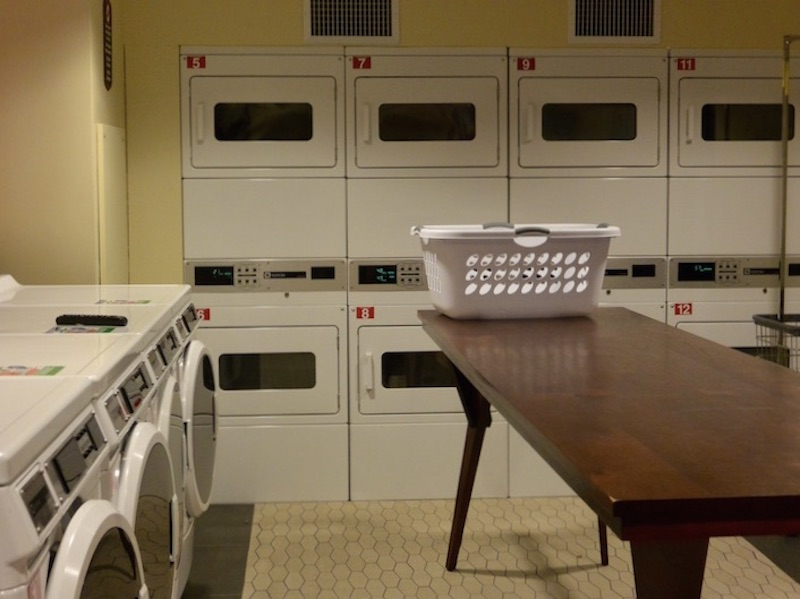 Moorea laundry room