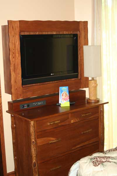 Second Bedroom TV / Armoire