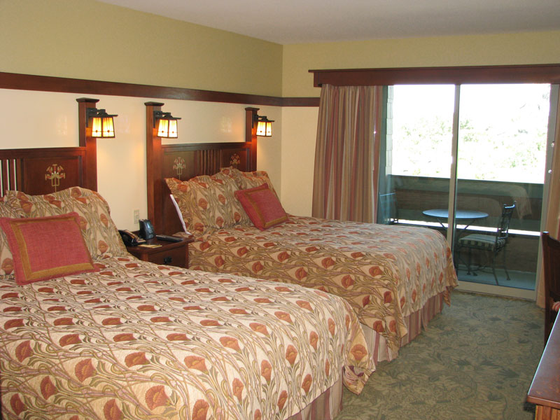 Two queen beds in second bedroom (dedicated Two bedroom only)