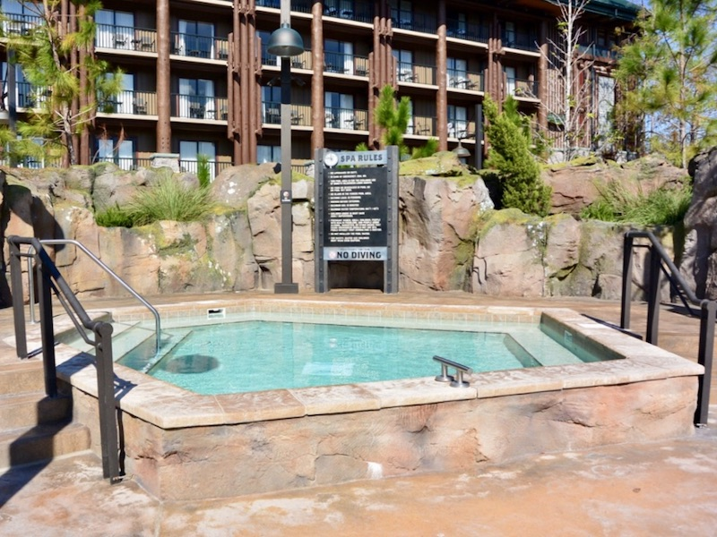 Boulder Ridge Cove hot tub